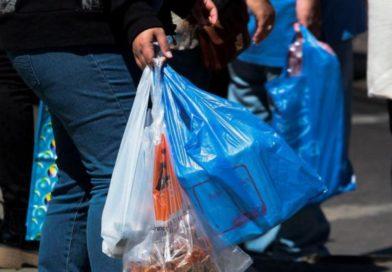 Chile: Ningún comercio puede ya entregar bolsas plásticas a sus clientes