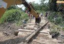 Los camiones tronqueros  debilitan puente shikihual